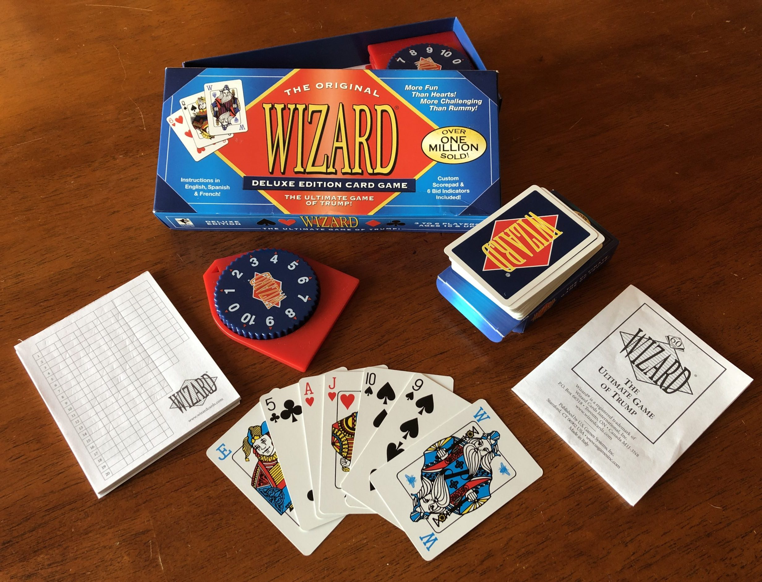 Wizard card game Deluxe version and its components